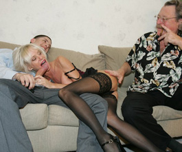 older milf loves that young hard cock in her mouth